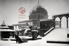 15.-1931-Jerusalem-Dome-of-the-Rock_Mosque-of-Omar-in-the-snow