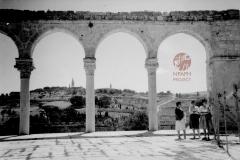 16.-Jerusalem-1936-Courtyard-of-Mosque-of-Omar-towards-Mount-of-Olives