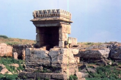 Maabed-on-Arwad-Island-Syria-1976-1