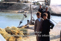 Mureybet-ferry-across-the-Euphrates-Syria-1973
