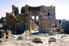 Resafa-4-1973-basilica